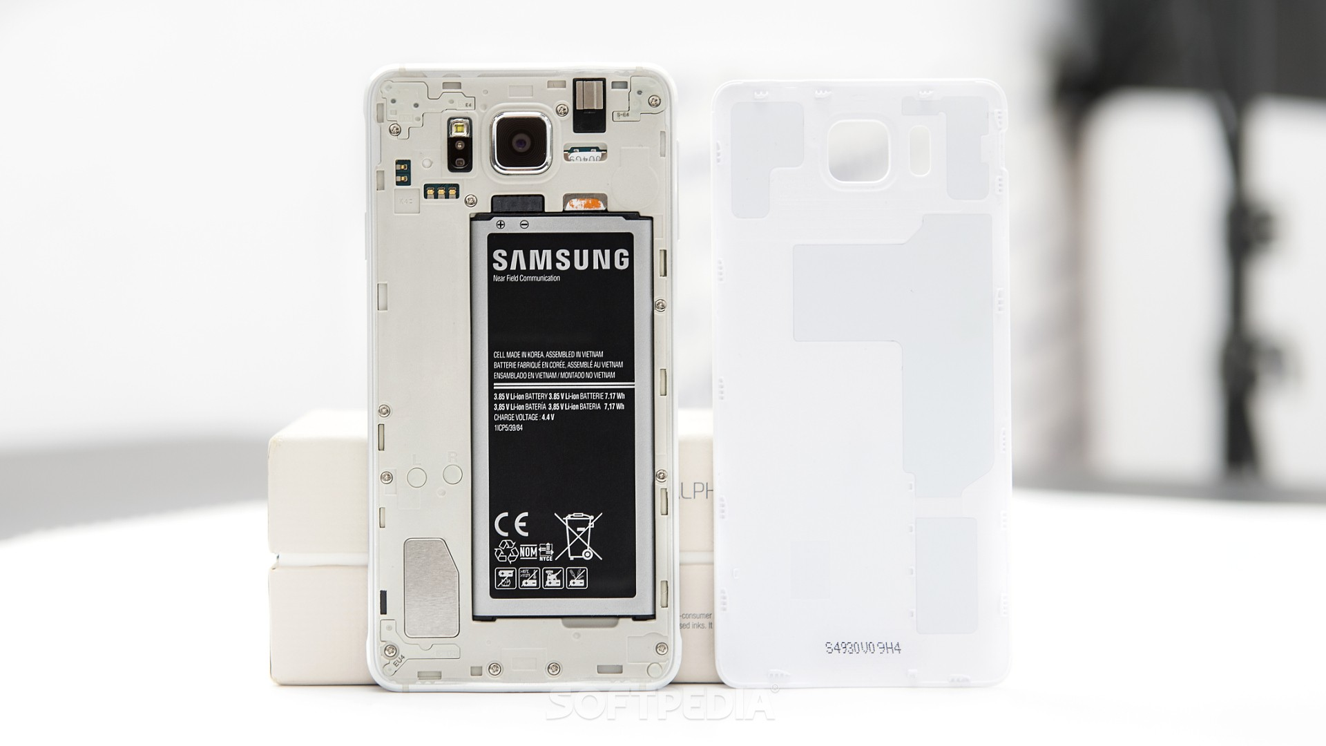 Samsung Galaxy A5 Battery Replacement on samsung galaxy alpha accessories